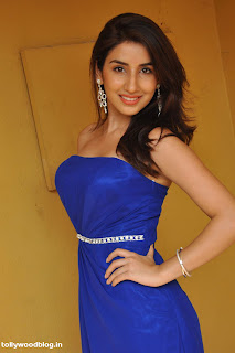Parul Gulati Spicy New Actress