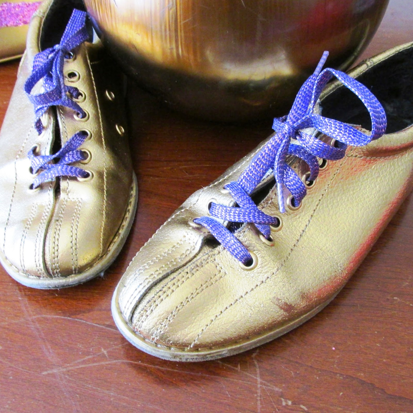 Glamazon Princess: Bowling Shoes Makeover!!