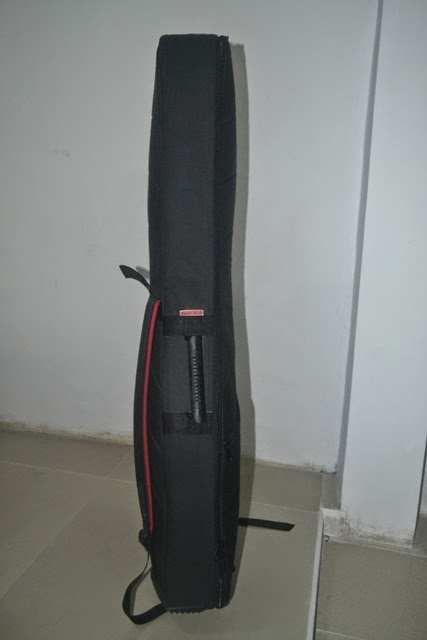 tas gitar yamaha akustik klasik bagian samping