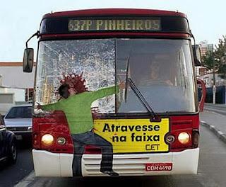 Graffiti-Graffiti Keren di Bus Kota