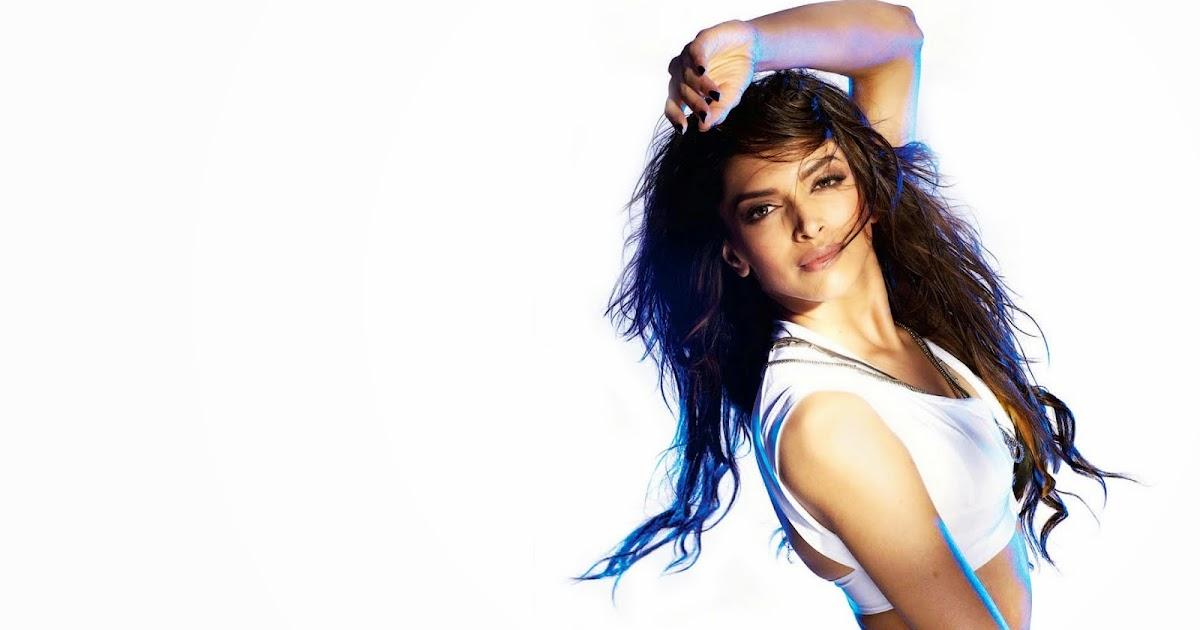 Deepika Padukone in Dum Maro Dum Song   Blog on BollyBabes