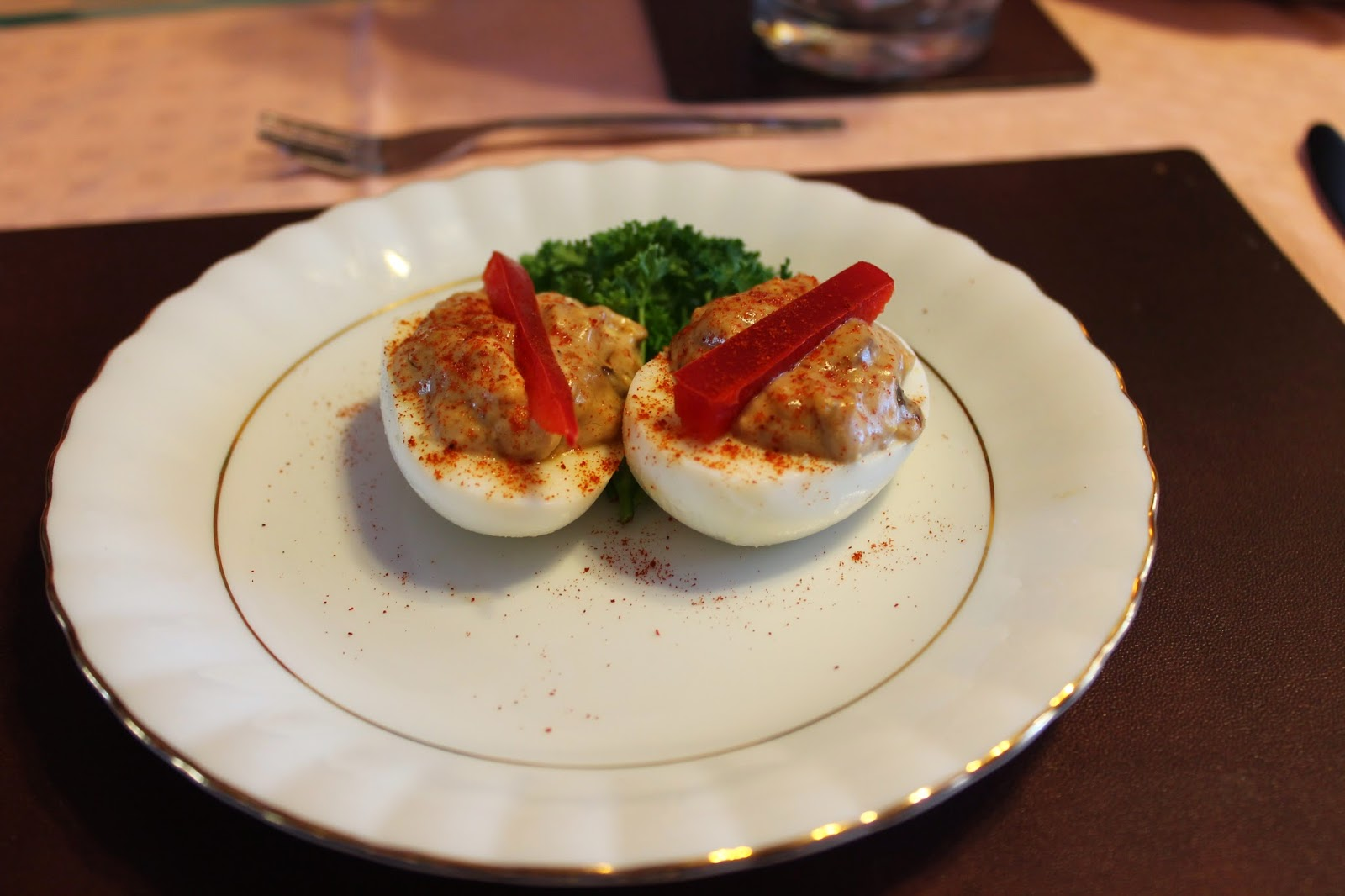 devilled eggs via lovebirds vintage