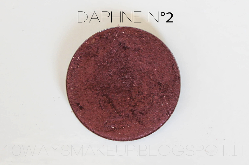 Nabla Daphne n°2 eyeshadow ombretto swatch