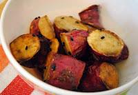 Batata-Doce Caramelizada com Gergelim Preto (vegana)
