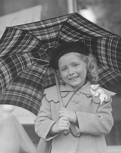 Vintage Girl with Umbrella #vintage #plaid #girl #fashion