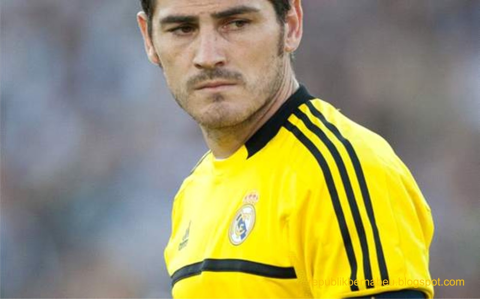 http://4.bp.blogspot.com/-eo25IfbZqP4/T5OA6emrMMI/AAAAAAAABFA/LBzyyNVYlrc/s1600/Iker+Casillas+Cristiano+bermain+luar+biasa,.jpg
