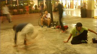 informal breakdancing at bangkok night bazaar