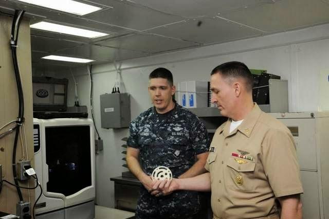 Military News - Sailors design parts on gator's 3-D printer