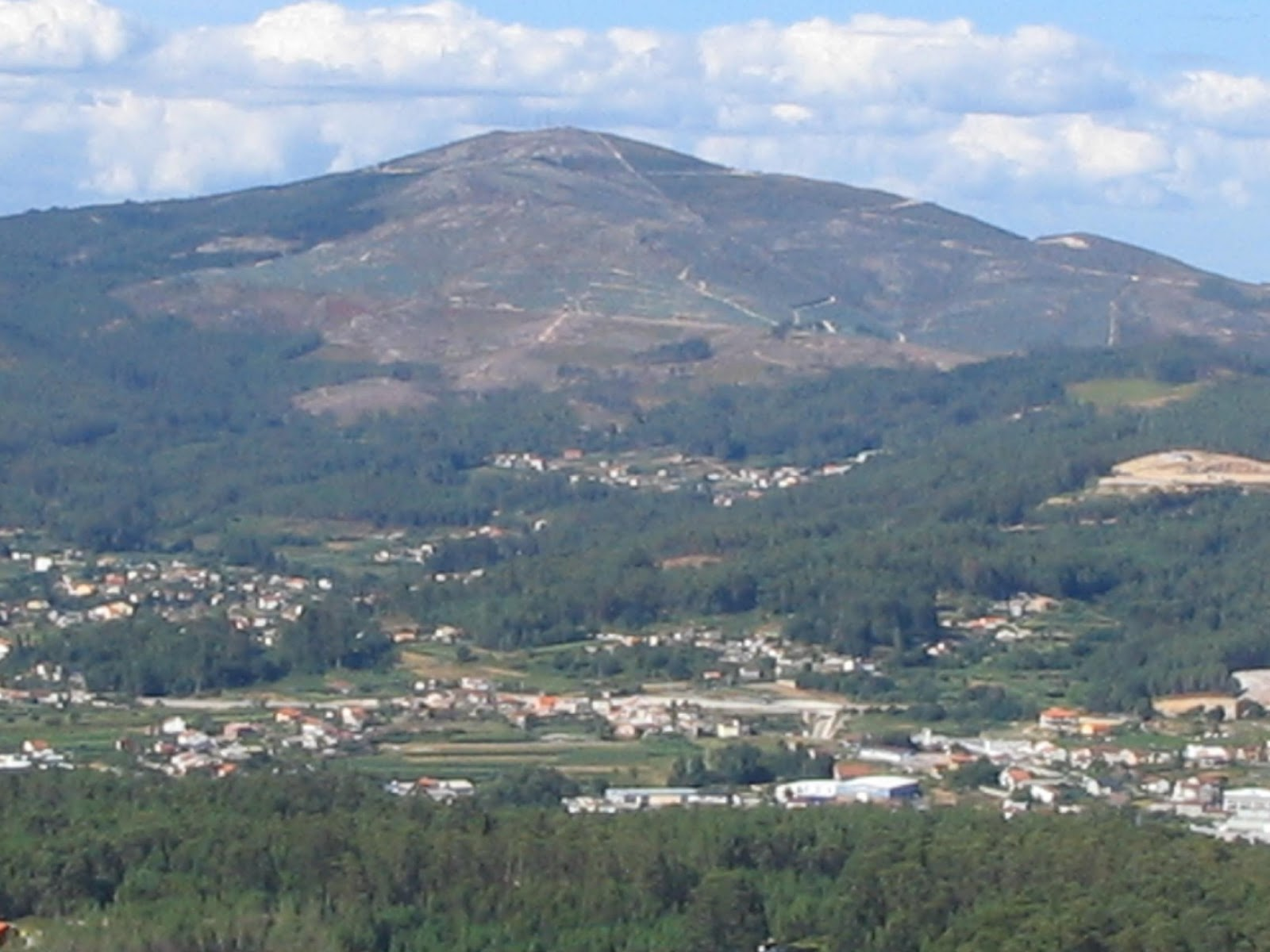 http://4.bp.blogspot.com/-eoUB-7lgdK4/USpwRh5autI/AAAAAAAAAKw/rST6HAaLJ5w/s1600/Monte_Xiabre.jpg