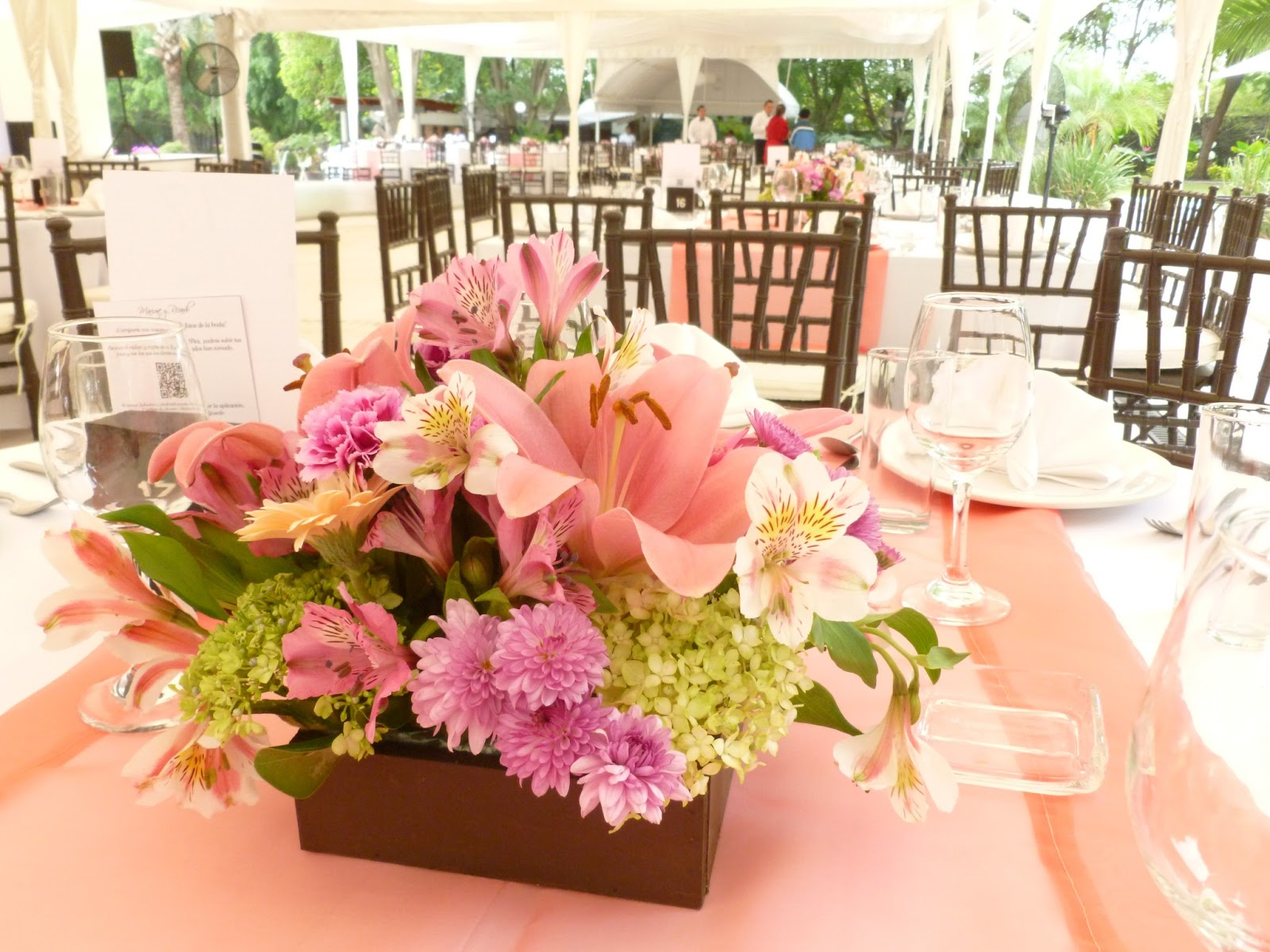 Arreglos de mesa para boda de jardin imagui for Arreglos de mesa para boda en jardin