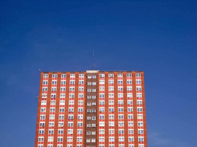 blue sky, tower block manchester, high rise flats salford manchester, photography blog, uk fashion bloggers