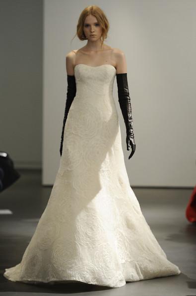 Vera wang wedding dresses spring 2014 designing for Vera wang 2014 wedding dress