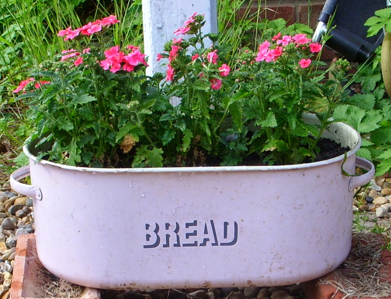 Crafts+2014+ +recycled+bread+bin+planter