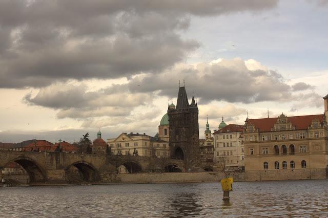 Фото с прогулочного катера, Прага, Чехия.