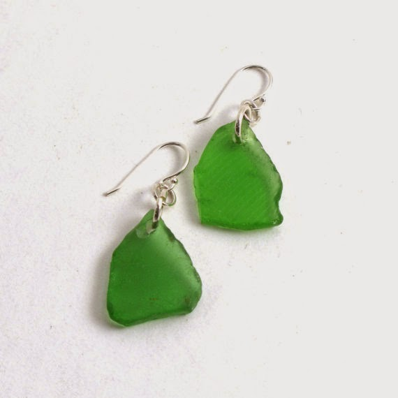https://www.etsy.com/listing/201464405/kelly-green-sea-glass-earrings-with