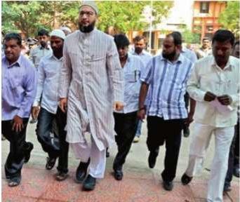 MIM MP Asaduddin Owaisi arrives at the Sangareddy district court