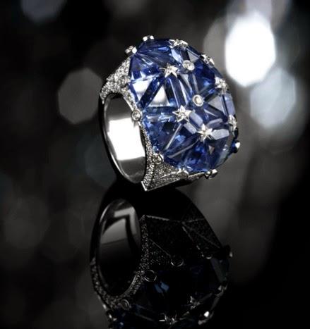 Piedras preciosas Chanel, anillos, moda y complementos