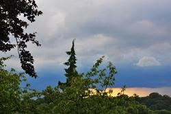 Regenwolken im Westen...