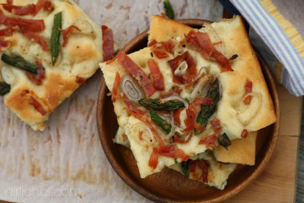 Fast Focaccia with Prosciutto, Asparagus, and Shallots #passtheprosciutto | www.girlichef.com
