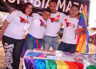Carla, Lenne, Evaldo e Sergio do Grupo Elos (Foto: Hernanny Queiroz/Gay1)