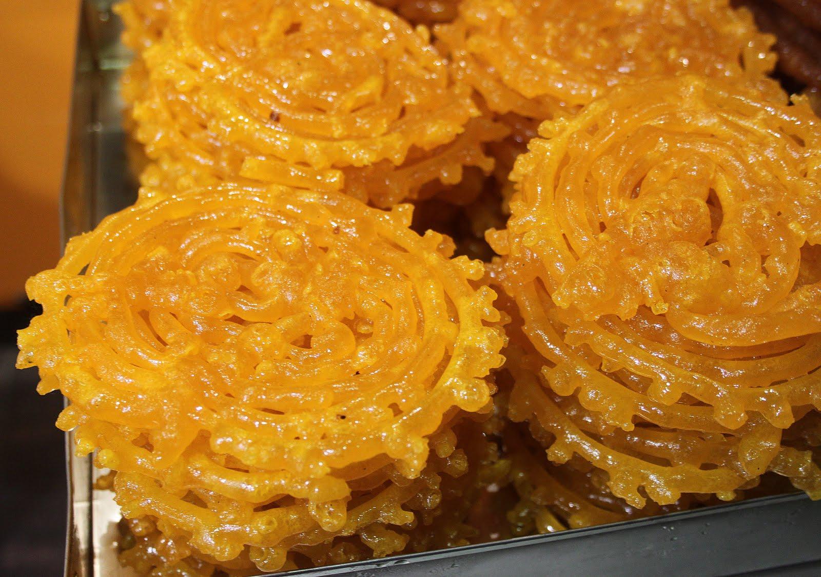 Mes Reportages Gastronomiques Les Zlabias de \u0026quot;La Rose de Tunis\u0026quot; !