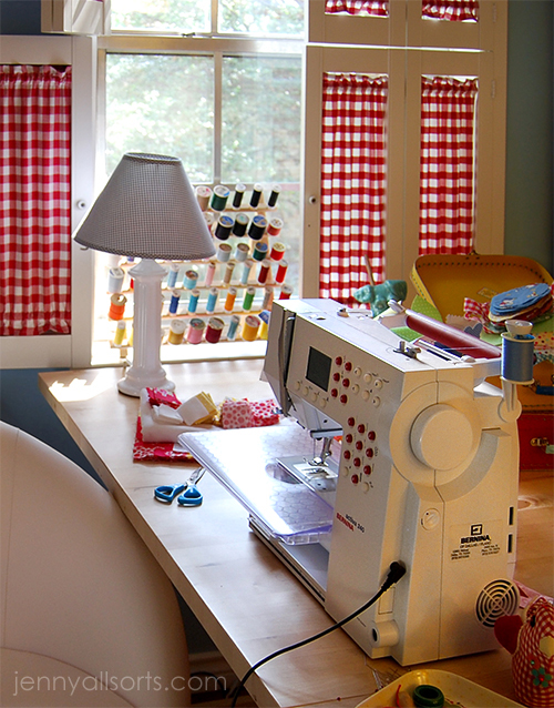maquina de coser en taller craft