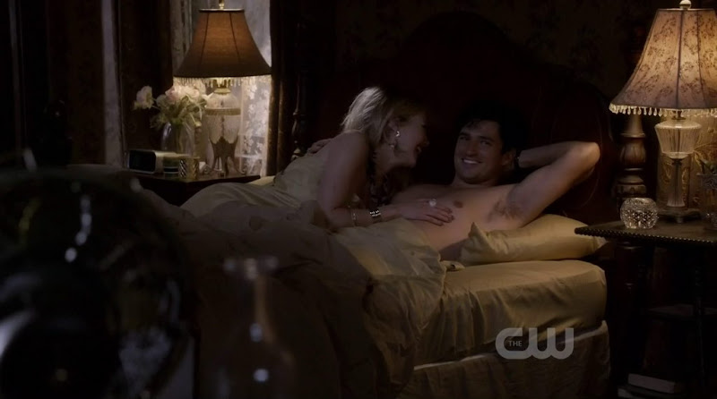 Wes Brown Shirtless in Hart of Dixie s1e08