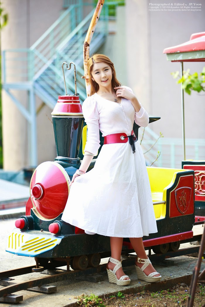 4 Kim Ha Eum - Carny Shoot, Three Outfits- very cute asian girl-girlcute4u.blogspot.com
