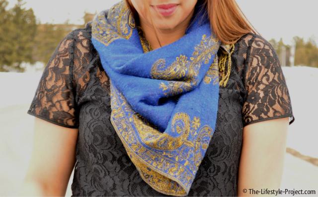 blue-scarf-lace-tshirt