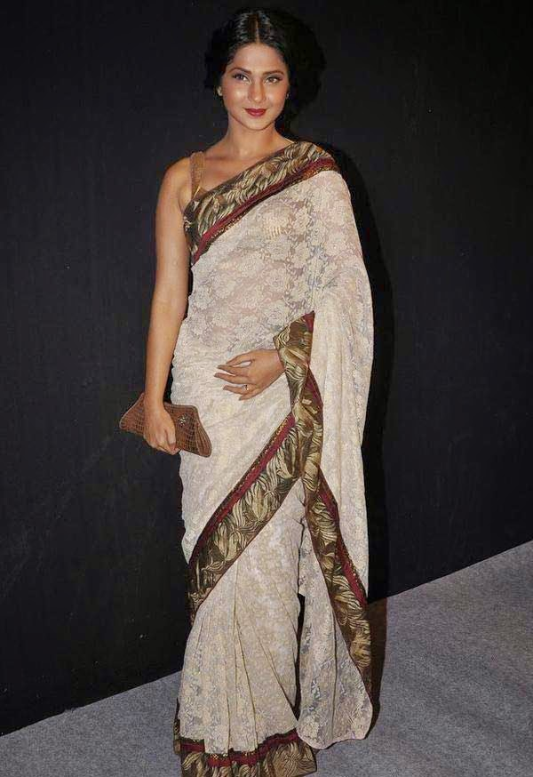 Jennifer Winget At The Star Parivaar Awards 2014
