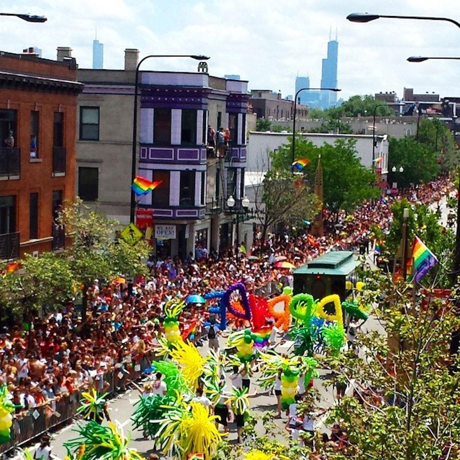Chicago s gay pride parade — img 4