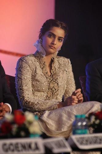 Sonam Kapoor Latest Stills at FICCI Frames 2014 Launch