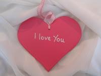 Hình nền trái tim có chữ I LOVE YOU