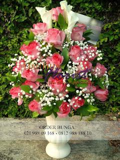 bunga meja cantik, bunga meja, bunga meja ke kebun jeruk, toko bunga jakarta, toko bunga dijakarta utara, toko bunga dijakarta selatan, toko bunga dijakarta timur, toko bunga dijakarta barat