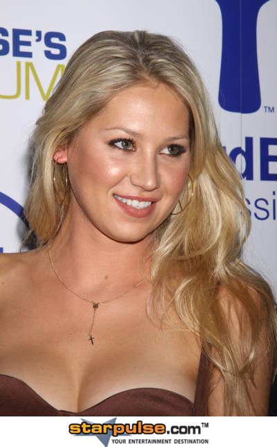 Anna Kournikova  Wiki - Photos