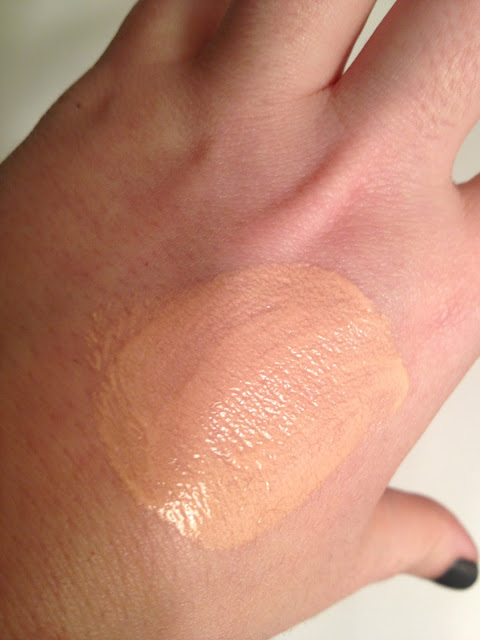 Laura Mercier Foundation Primer-Radiance Review, Swatches & Photos