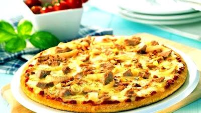 Пицца с курицей и ананасами - Ресторан дома