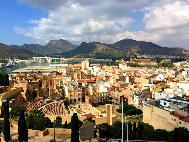 Cartagena, widok na miasto i port