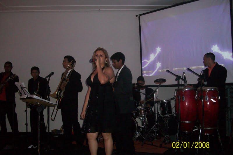 http://4.bp.blogspot.com/-es7lno_93WQ/Tlat5d4zrvI/AAAAAAAAFAw/bX_8aCtyUVM/s1600/Alesandra.jpg