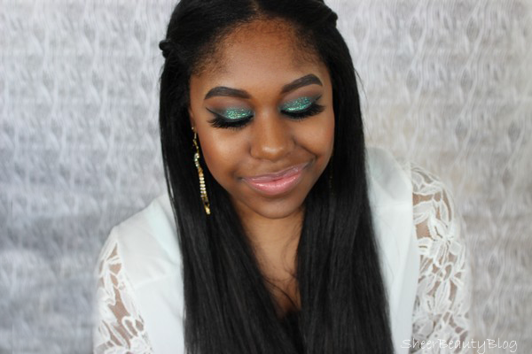 picture of glitter green makeup