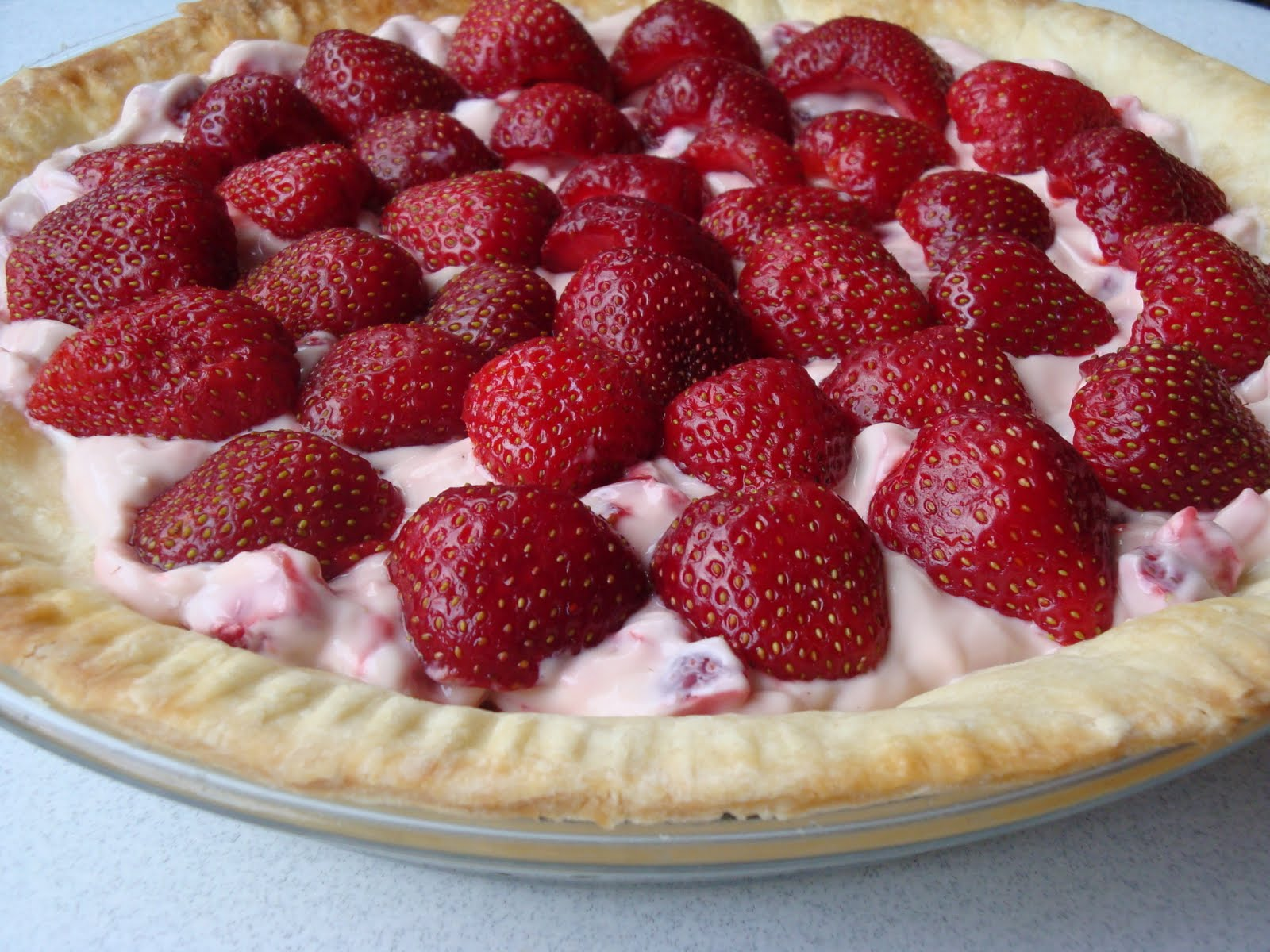 Fresh Strawberry Pie ~ Lightened up! - Alida's Kitchen