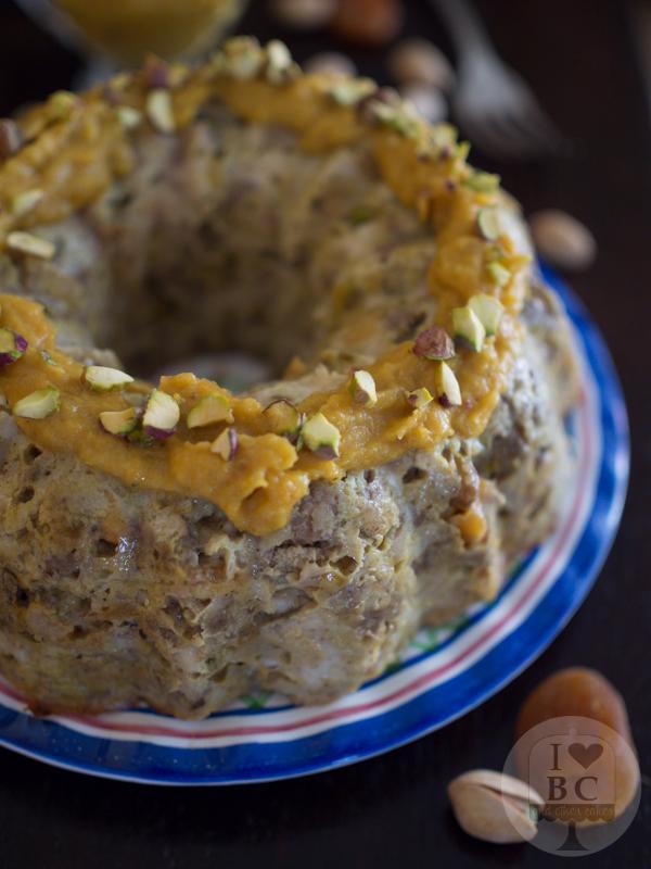 Bundt cake de carne y frutos secos