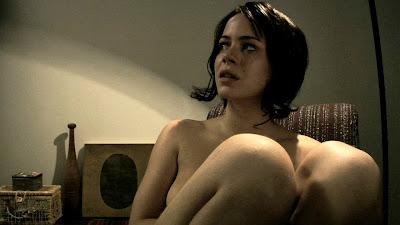 Leandra Leal pelada