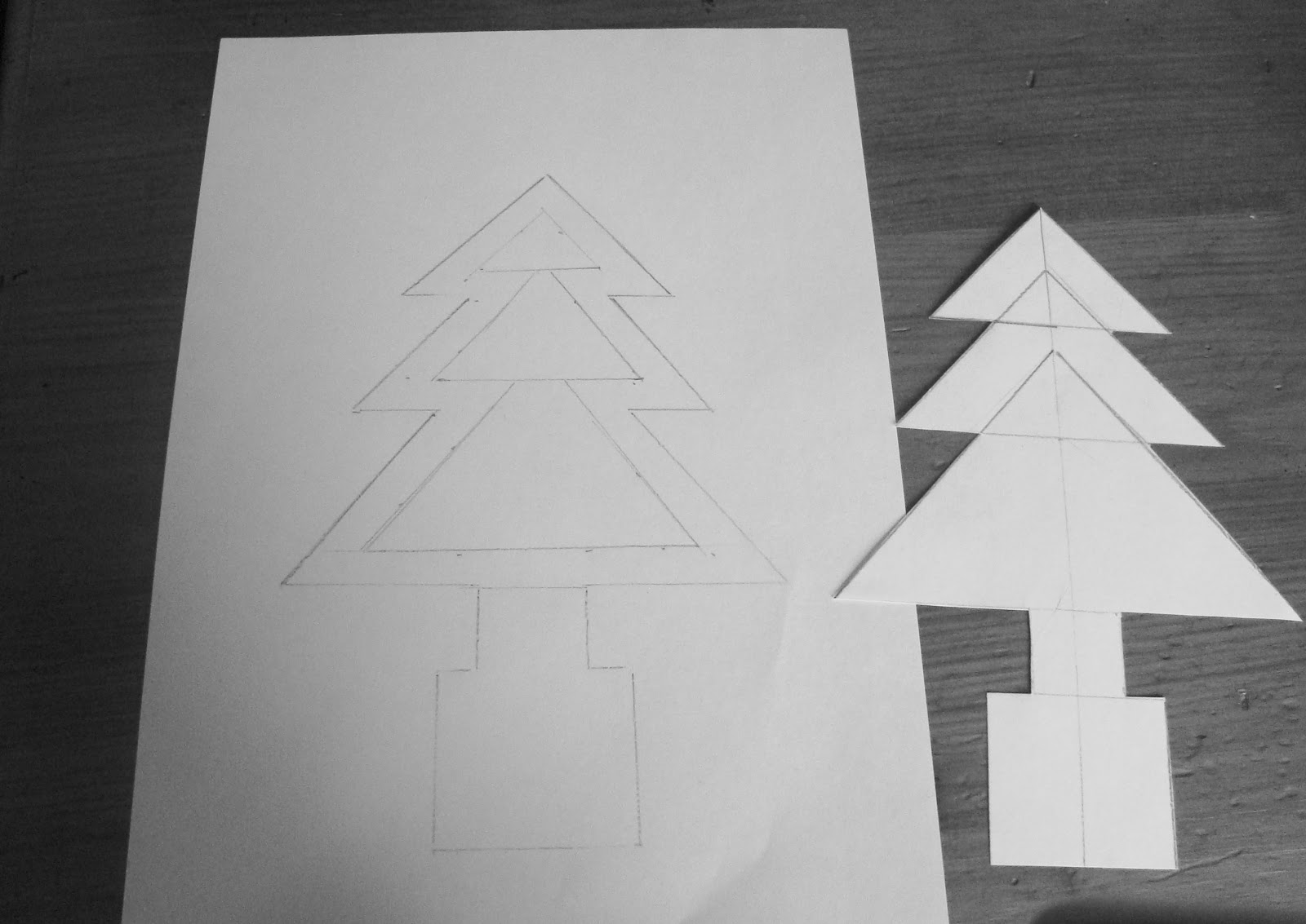 how to make a christmas tree costume out of cardboard