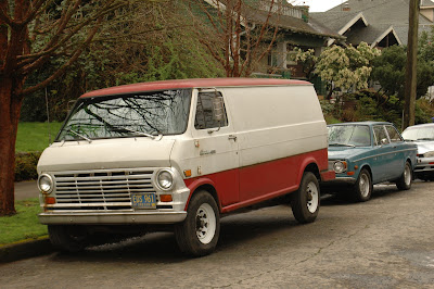 1969-Ford-300-Econoline-Super-Van.