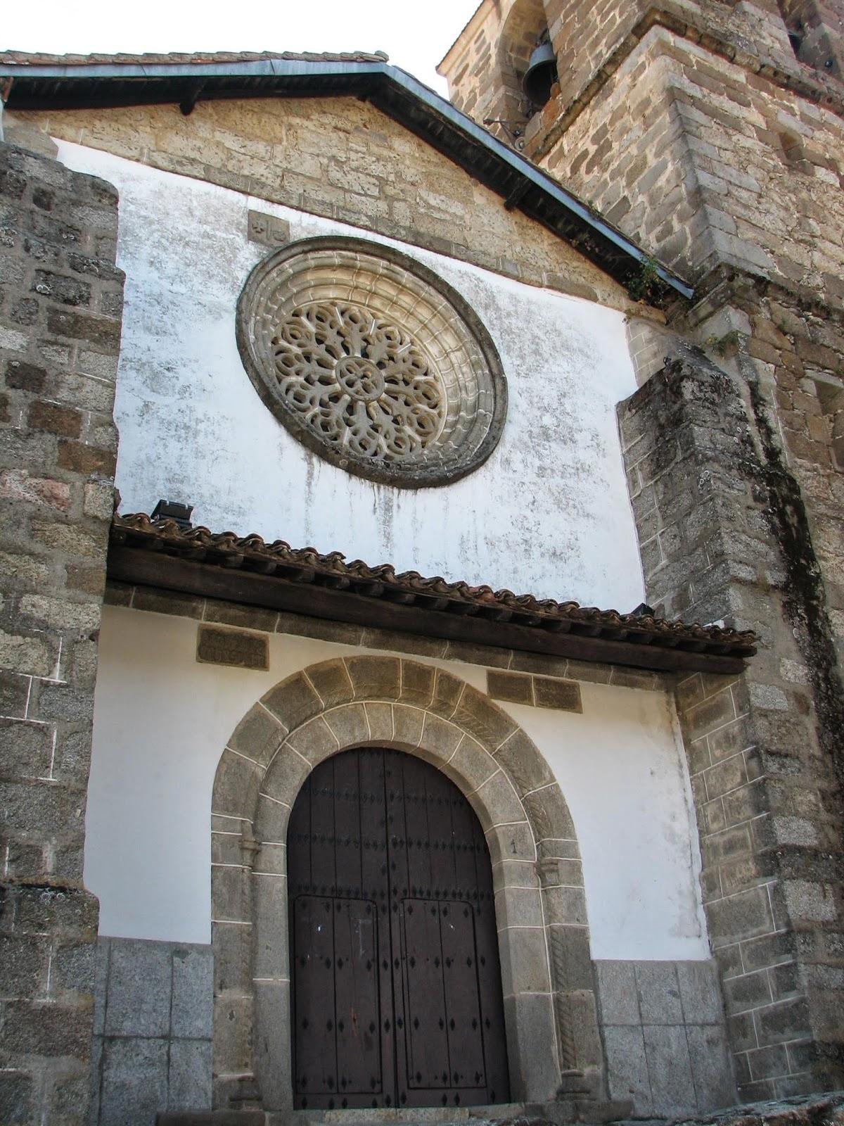 Iglesia de Nuestra Señora de la Asunción, con su famoso rosetón gótico.