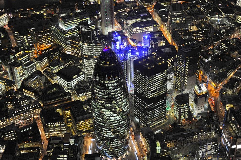 Du Lịch Tâm Linh: Nhìn London và UK vào ban đêm từ trên cao