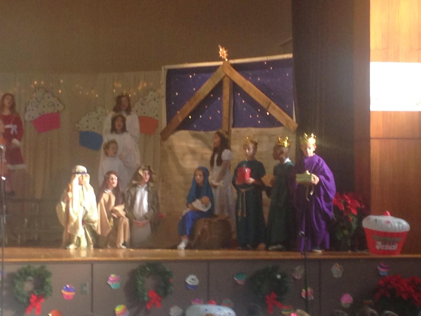 Catholic Students Enjoy Celebrating Christmas on Campus 1