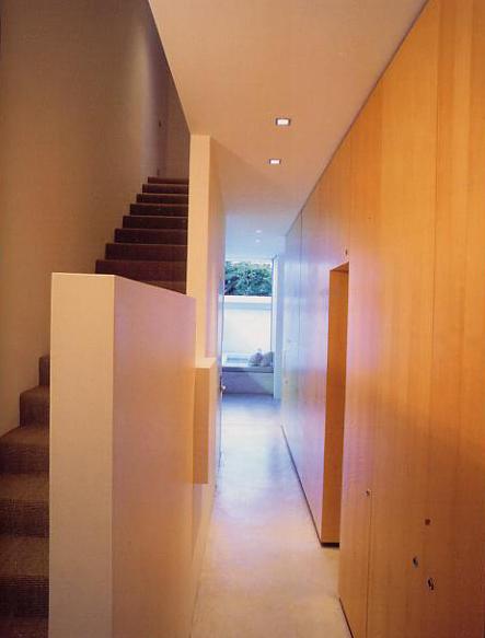 Case oggi nel mondo casa tait doulgeris for Piani di casa con una vista verso la parte posteriore