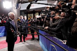 Ο Γιωργάκης δεν χωνεύει με τίποτα ότι δεν είναι Πρωθυπουργός